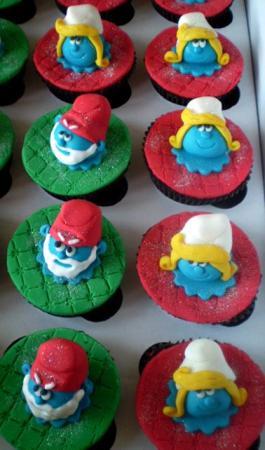 Vovô Smurf e Smurfet cabeça alta